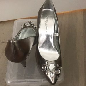 silver heels w clear jewels
